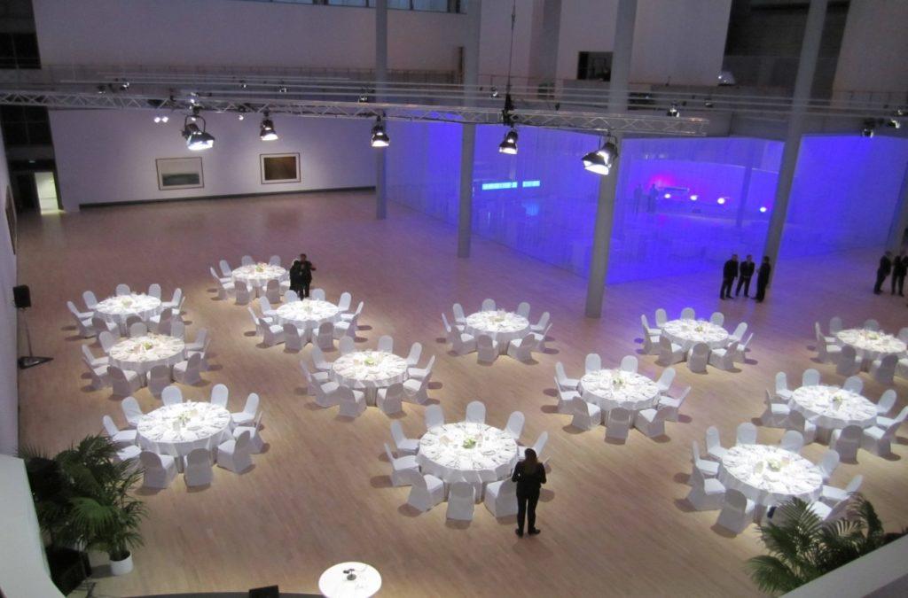 Das Kunstmuseum Wolfsburg bietet genügend Raum für große Veranstaltungen oder Tagung in Wolfsburg