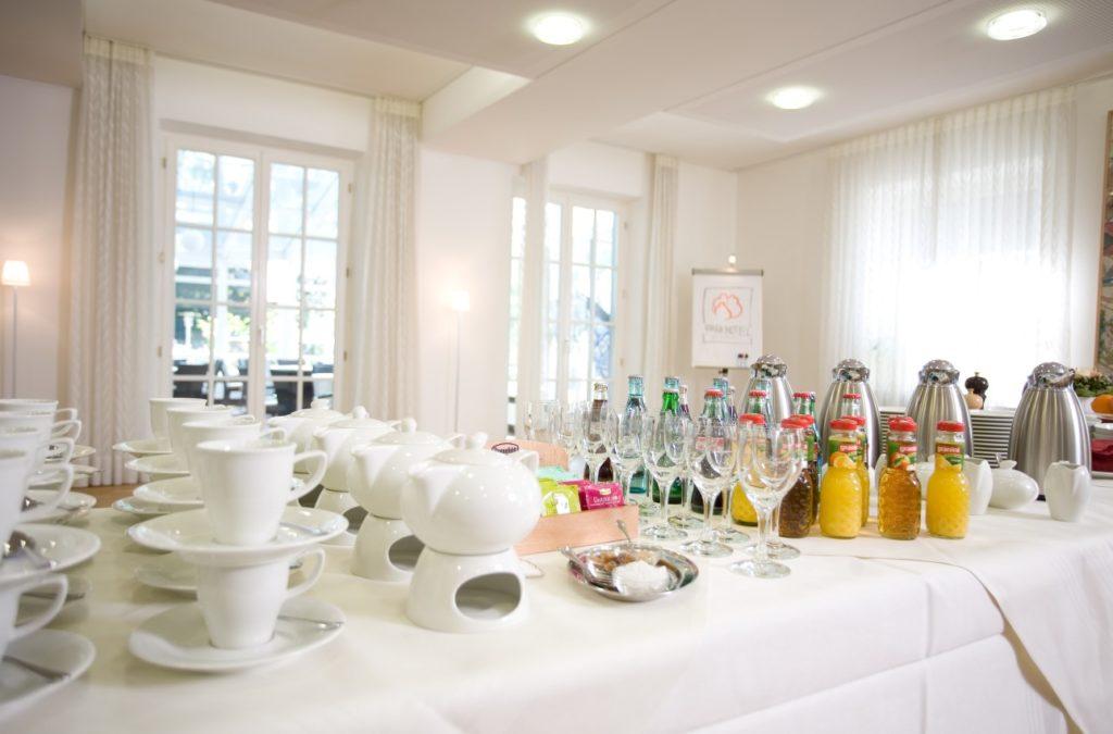 Zeigt ein Angebot für eine Mittagspause während einer Tagung im Parkhotel Wolfsburg