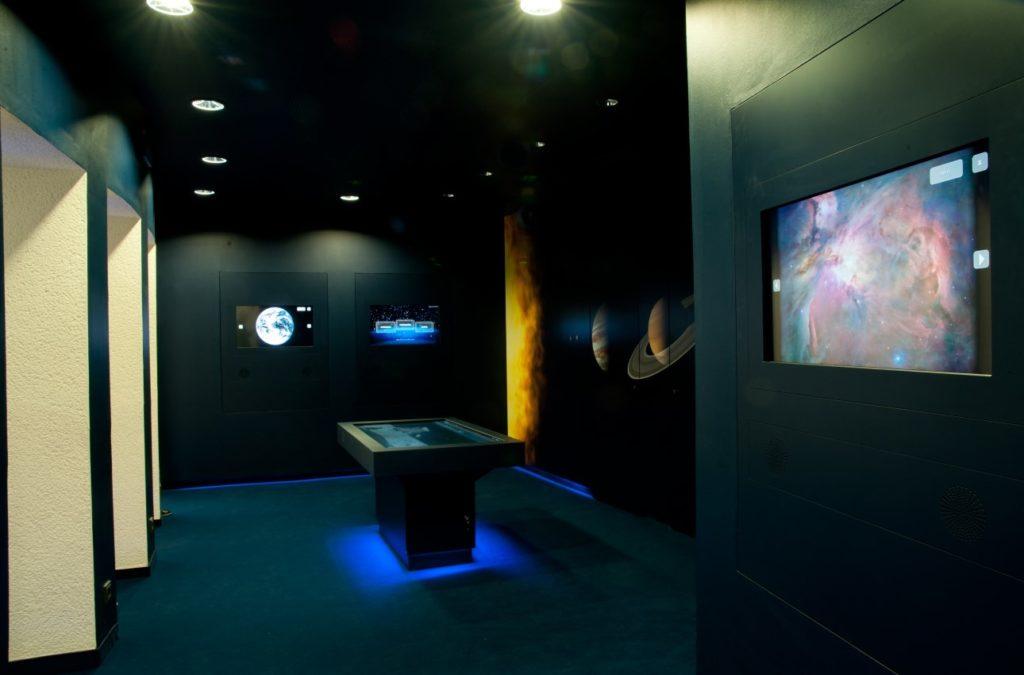 Weltraumlabor des Planetarium Wolfsburg, bietet interessante Informationen und Fakten über das Weltall und einen spannenden Punkt in einem Rahmenprogramm für eine Tagung in Wolfsburg